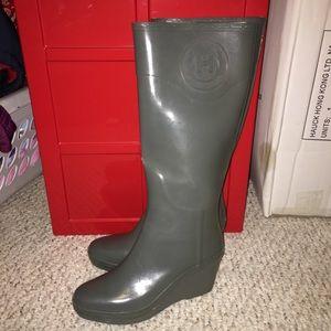 Grey wedge hunter rain boots